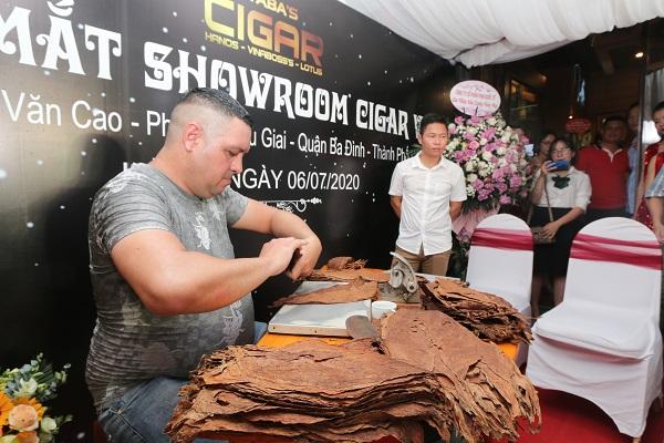 """Không cần phải bay nửa vòng trái đất, người yêu Cigar vẫn có thể thưởng thức """"quốc hồn"""" của Cuba ngay tại Việt Nam"""