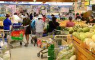 Người dân ùn ùn mua sắm, TPHCM kêu gọi không thu gom hàng hoá
