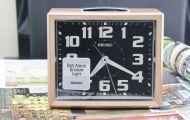 Đồng hồ báo thức Seiko Bell Alarm Snooze Light cho năm học mới thành công