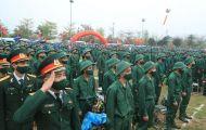 Chủ tịch UBND TP Chu Ngọc Anh động viên tân binh lên đường nhập ngũ