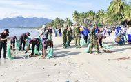 Phát động chiến dịch làm sạch bãi biển Ninh Hải