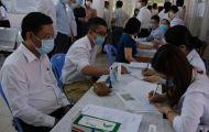 Chủ tiệm làm tóc ở Campuchia về Việt Nam nghi mắc COVID-19