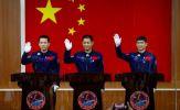 Trung Quốc đưa 3 phi hành gia đầu tiên lên trạm vũ trụ mới
