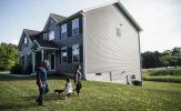 Người Mỹ 'chốt đơn' liên tục mặc kệ giá nhà đất tăng kỷ lục